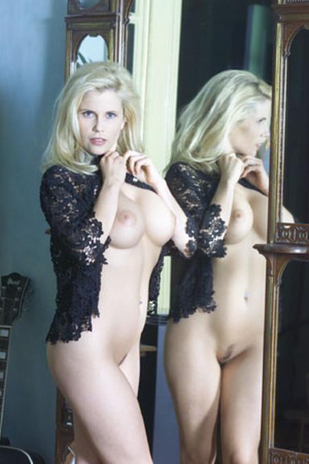 Manuela schafrath nackt
